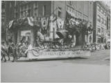 """Pleasure Car of the 40's"" float in parade celebrating Baltimore's bicentennial..."
