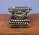Corona typewriter used by H. L. Mencken